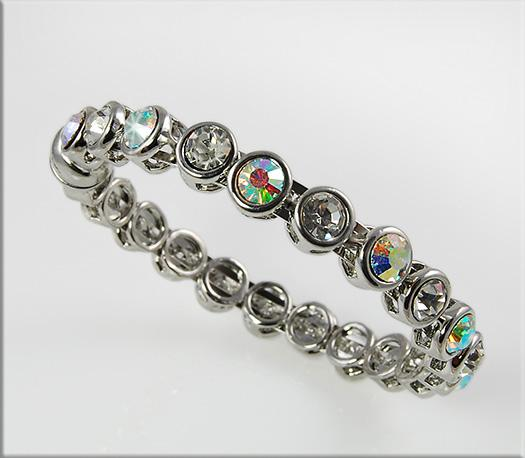 BR216: Crystal Bangle Bracelet with Magnetic Clasp