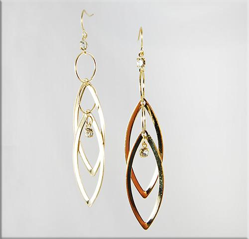 EA512: Stylish Loop Earrings