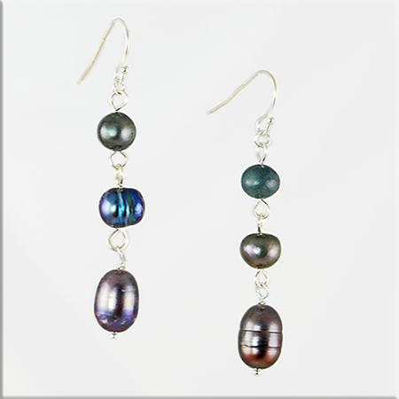 EA515: Natural Black Pearl Earrings