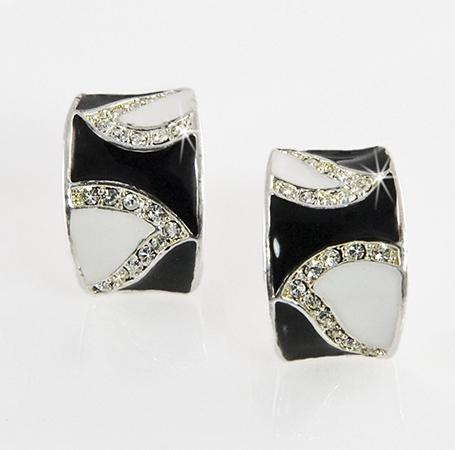 EA530Z: Black & White Enamel Earrings