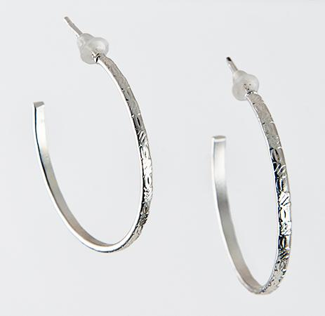 EA568: Silver Hoop Earrings