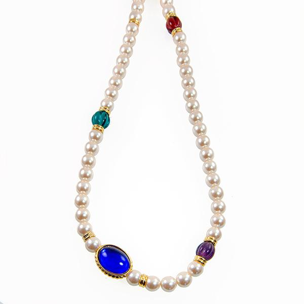 NA299: Pearl and Crystal Necklace