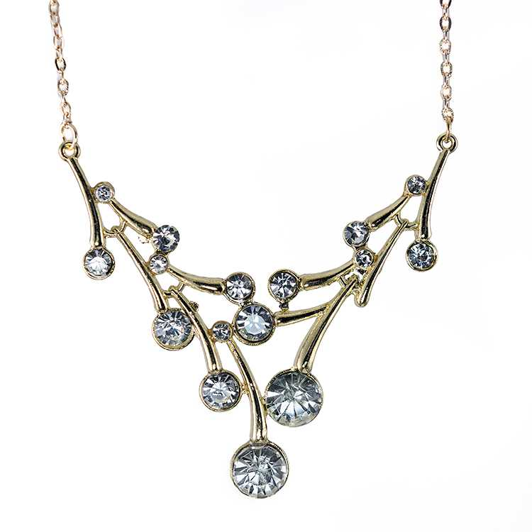 SN329: Elegant Crystal Necklace and Earrings