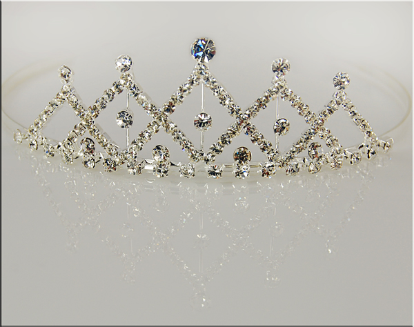 TR16: Stunning Multi-Facetted Tiara