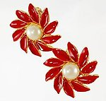 XM31: Red Poinsettia Holiday Earrings