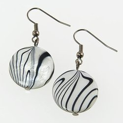 SNT205: Black & White Murano Glass Set