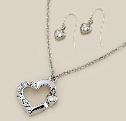 SNT88: Crystal & Silver Heart Necklace and Heart Earrings Set