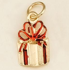 CH188: Gift Box Charm in Gold