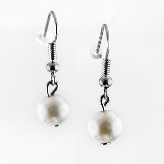 EA700: Pearl Earrings