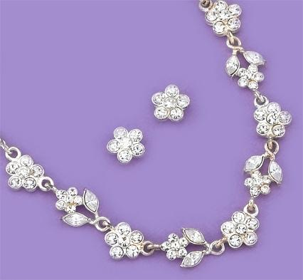 SNT102: Austrian Crystal Floral Necklace & Earrings Set