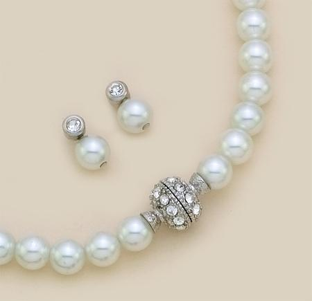 SNT94: Pearl Earrings & Necklace Set with Crystals and Magnetic Clasp