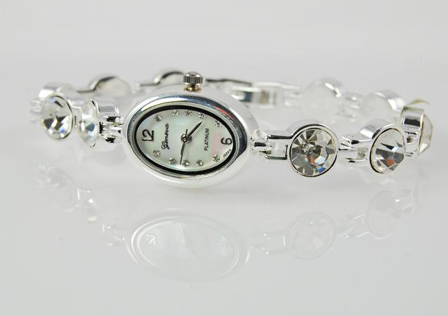 WA90: Austrian Crystal Oval Bracelet Watch